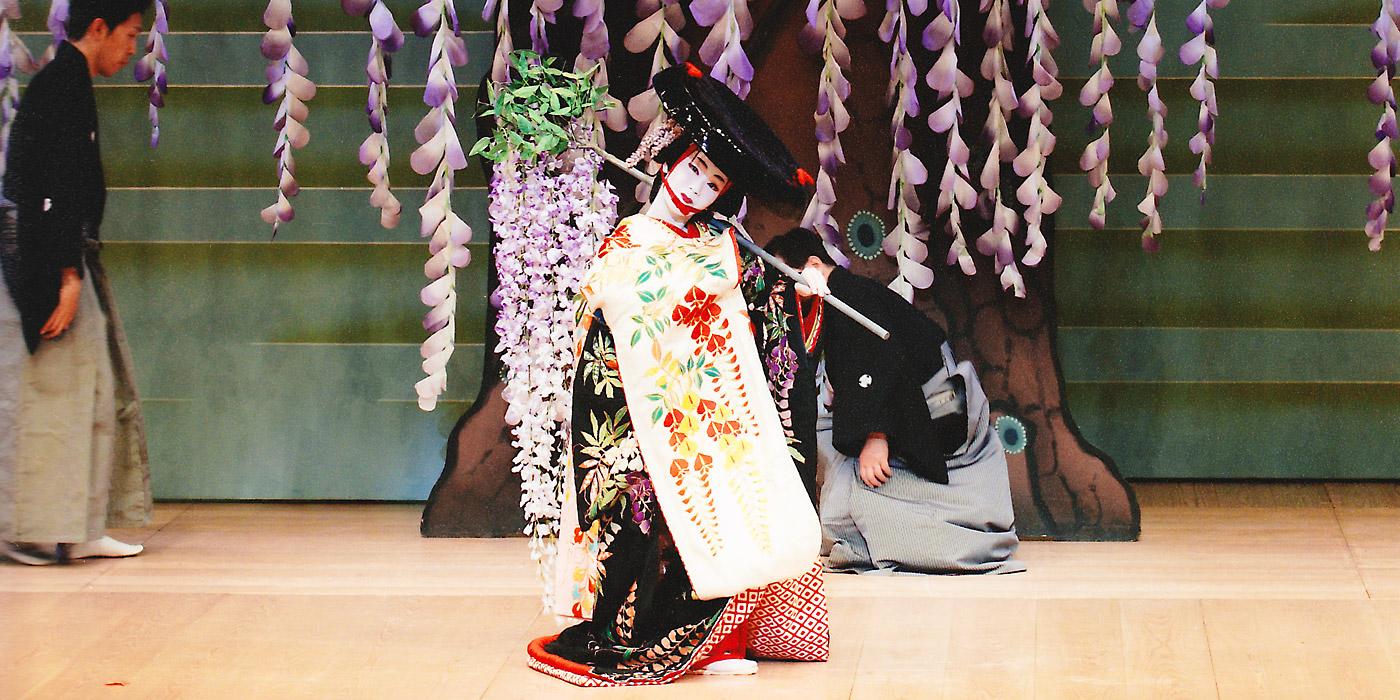 月花麗人社公演「藤娘」より